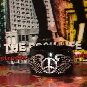 Wings in Peace Thick Bangle